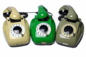 Telefony RWT CB-631 oraz CB-662 (po prawej)