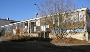 28 grudnia 2013, południowa elewacja dawnej hali wydziału mechanicznego